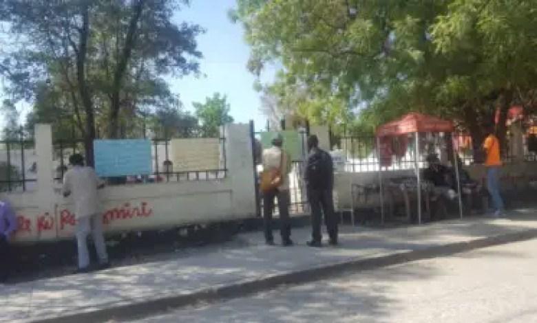 Hinche: Des employés du Palais de Justice réclament 24 mois d'arriérés de salaire 1
