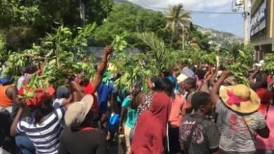 Photo de Coronavirus : Des marchands protestent contre les mesures adoptées par le maire de Pétion-Ville