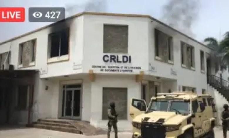 Les locaux du bureau de l'ONI à Delmas 31 en feu 1