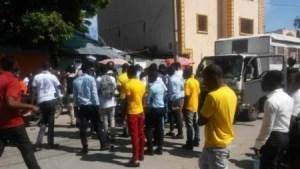 Des candidats au baccalauréat autorisés à composer après des protestations à Port-au-Prince 1