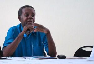 Le Ministère de l'éducation nationale salue la mémoire de Roger Petit-Frère 1