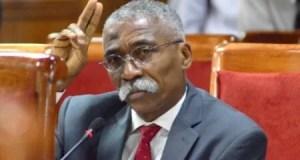 """Le """"conflit"""" entre l'Exécutif et la CSC/CA expliqué au sénateur Patrice Dumont"""