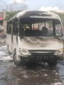 Tension : incendie d'un autobus de la police à bord du Parlement haïtien 1