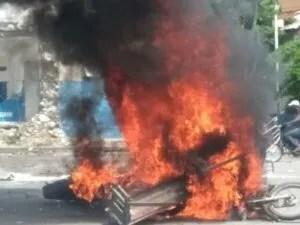 La police, cible des manifestants dans plusieurs départements géographiques d'Haïti 1
