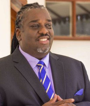 Vague de révocation du Maire Ralph Youri Chevry à la Mairie de Port-au-Prince