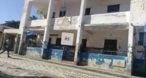 Libération d'une dizaine de détenus par le Commissaire du gouvernement de Miragoâne
