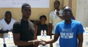 Distribution de kits sanitaires par la Fondation Réginald Boulos