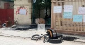 Dans la commune de Hinche (Centre), des professeurs ont fermé le bureau départemental du MENFP