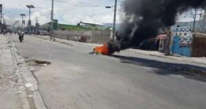 Tension à Delmas : au moins un journaliste blessé à coup de grenade lacrymogène