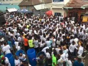 """Port-au-Prince : un mort et un blessé suite à une intervention policière pour disperser un """"Car wash"""""""