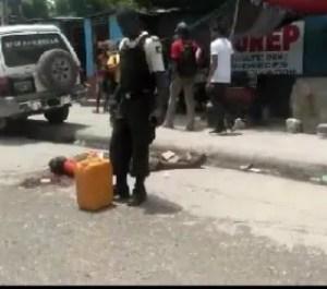 Carrefour : un homme tué par balles et un journaliste agressé par un policier