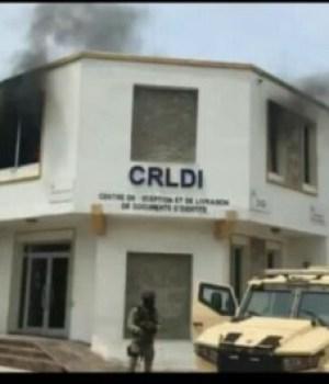 Delmas : incendie du bureau de l'Office national d'identification à Delmas 31