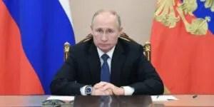 Le Président russe Vladimir Poutine refuse de reconnaître la victoire de Joe Biden