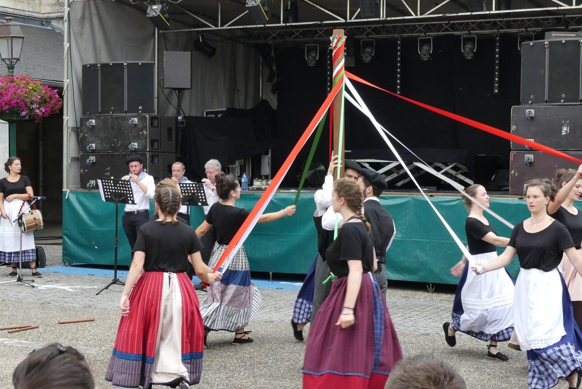 Fêtes Hasparren-Danse Basque