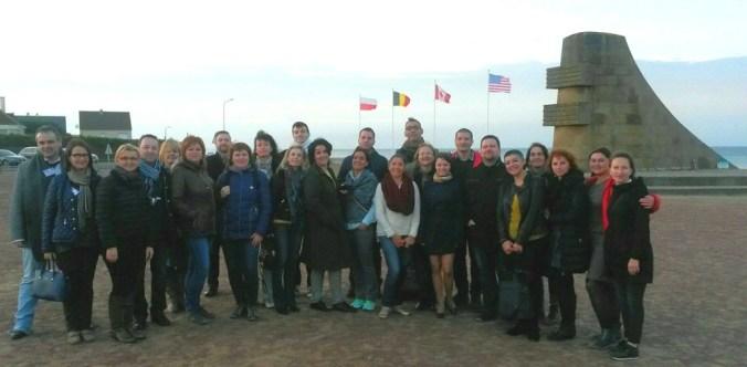 S kolegama učiteljima povijesti iz više europskih država na normandijskoj plaži Omaha