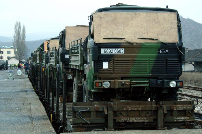 french-troops-train-mitrovica-kosovo