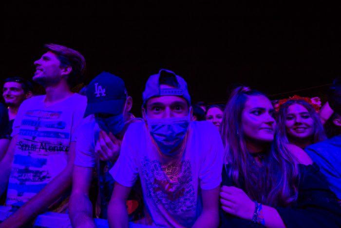 festival exit masque poussiere
