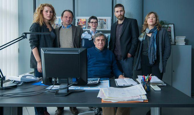 L'équipe de journalistes de Novine dans la 1ère saison