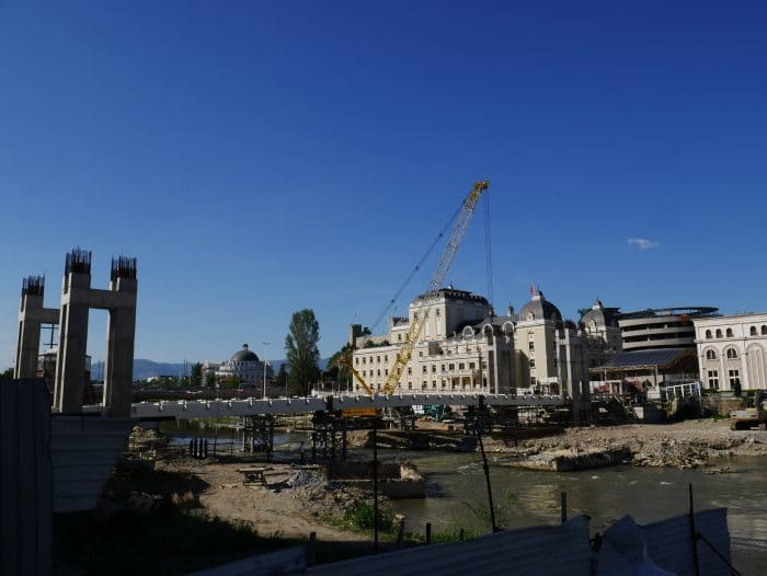 Skopje 2014 en construction 700x526 1