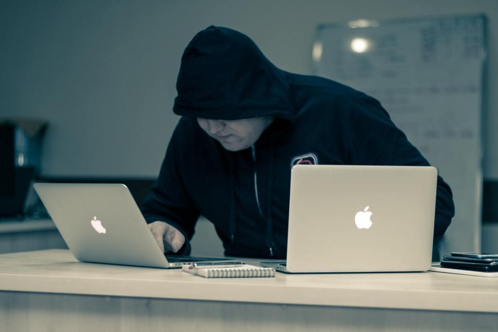 web veszély