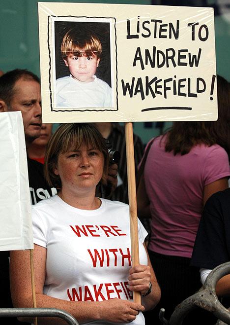 141014 apoyo-andrew-wakefield[1]