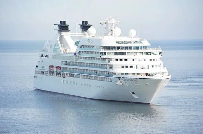 豪華客船の画像