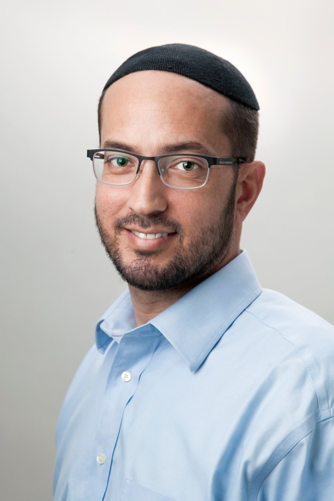 Shalom Iskowitz, Hakshiva's Director of Educational Services and Mentoring Program