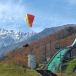 ジャンプ台とパラグライダー