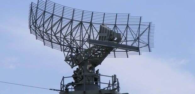 مبدأ عمل الرادار..يطلق موجات كهرومغناطيسية ويأخذ الصدى