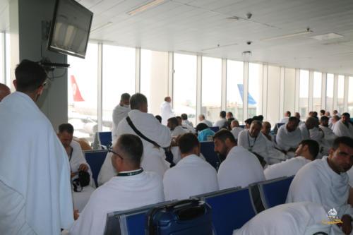 ألبوم وصول الحجاج السوريّين إلى مطار جدة 1440هـ
