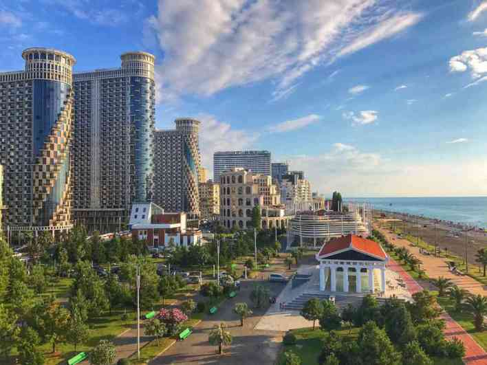 أفضل الأماكن في باتومي جورجيا - شاطئ البحر الأسود