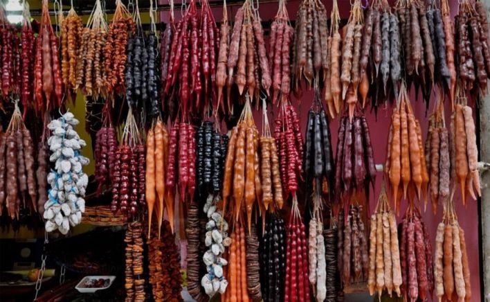 حلوى الـ تشورتشخيلا التقليدية في تبليسي | اهم المناطق السياحية في جورجيا للسياحة العائلية