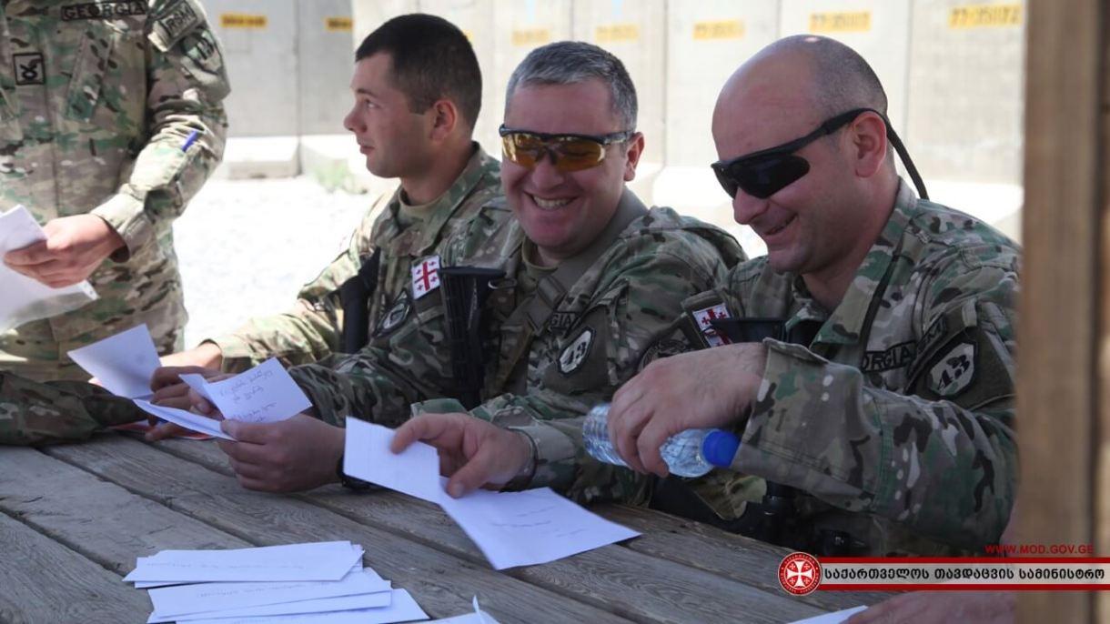رسائل الجنود (المصدر : وزارة الدفاع )