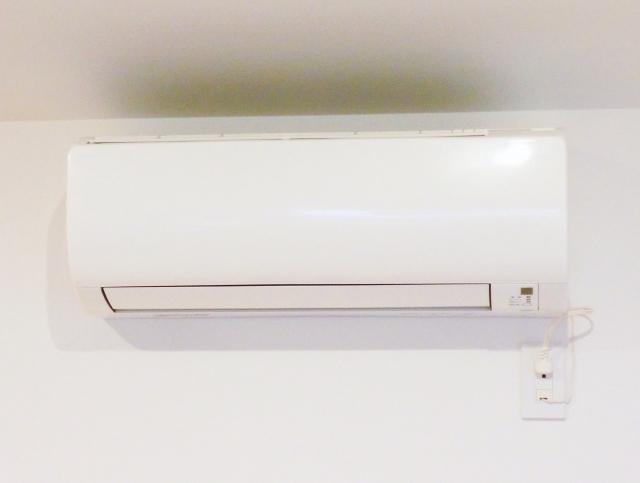 エアコン 買い替え 修理
