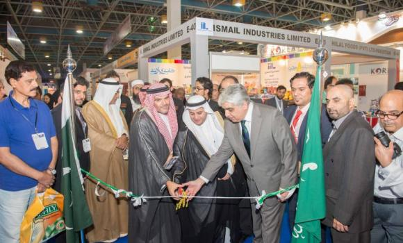 Hassan Al-Fadha and Consul General M. Shehryar Akbar Khan open the Pakistan Pavilion in Foodex Saudi Exhibition at Jeddah Center for Forums and Events.