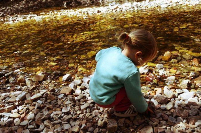 Elsa disfrutando del Rio Batuecas