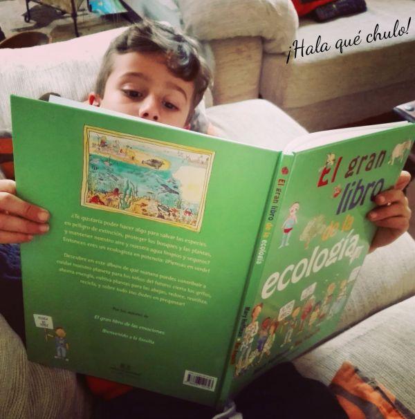 Ángel leyendo El gran libro de la ecología y portada