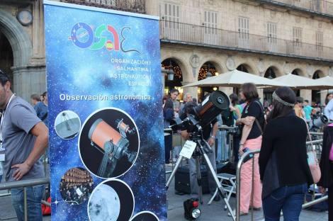 Observación de la Luna desde la Plaza Mayor de Salamanca con los amigos de la OSAE