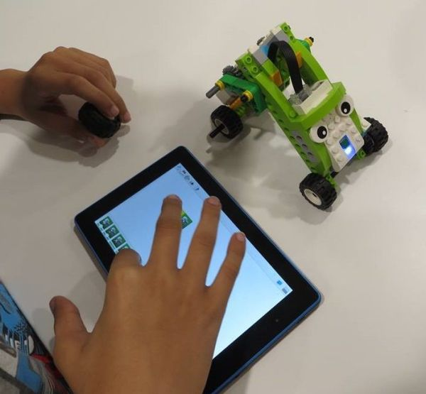 Taller de robótica divertida con Robotmanía este sábado