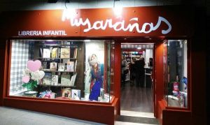 Cuentacuentos con Kamaru Teatro en la librería Musarañas