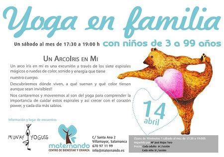Sesión de yoga en familia en Maternando