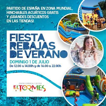 Fiesta de las rebajas en El Tormes con hinchables acuáticos