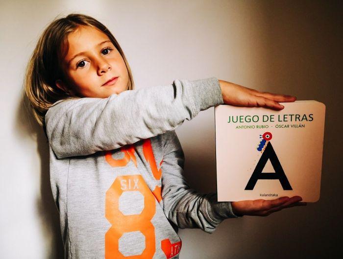 """""""Juego de letras"""", un libro para empezar a disfrutar de la lectura y la poesía"""