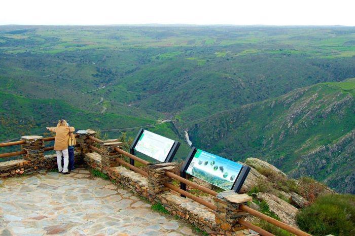 Espectacular panoramica desde el Mirador de Las Janas