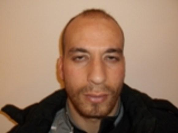 Alarbi Usamam 22 éves algír állampolgár