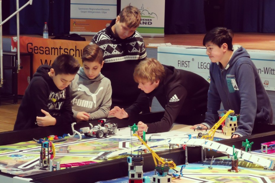 "LEGO-Roboter... naja... ""-Wettbewerb"". 44"
