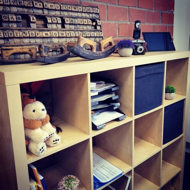 Mein Arbeitsplatz in der Schule: Schreibtisch, Monitor, Wellness 1