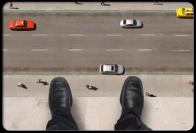 phobias_s7_guy_standing_on_edge