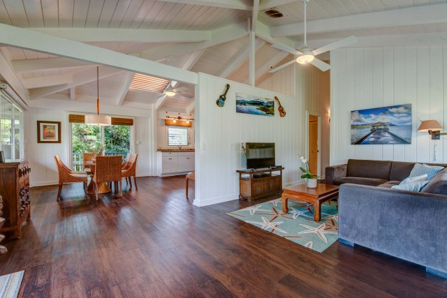 Hanalei Vacation Rental Hale Naninoa Family-Friendly Open Floor Plan