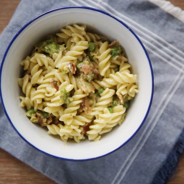Gouda Pesto Pasta with Peas